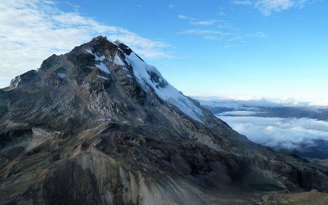 snowcapped peaks of the ecuadorian Iliniza Sur
