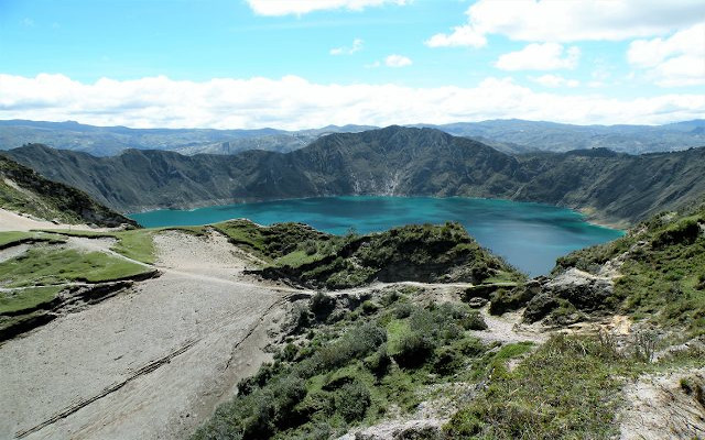 view on the quilotoa lake