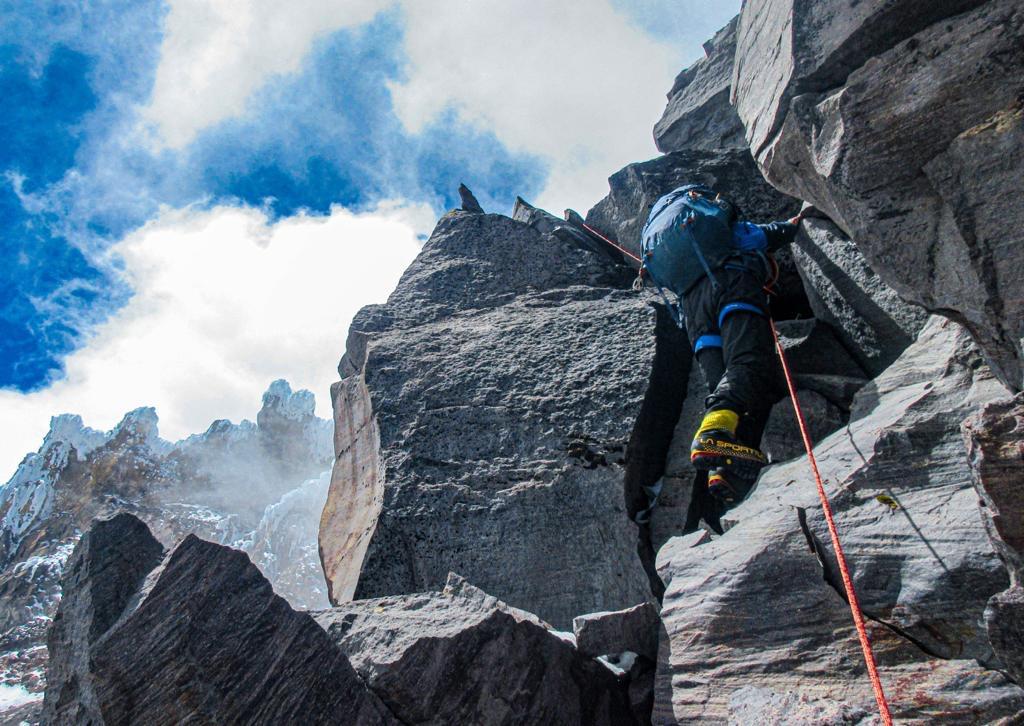 Climbing Proa del Sol
